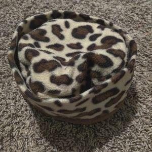 Cheetah print toeboggin